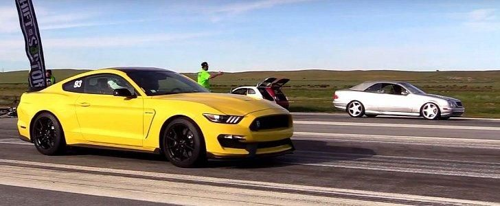 Ford Mustang Shelby GT350 vs. Mercedes CLK55 AMG Video: Ford Mustang Shelby GT350 vs. Mercedes CLK55 AMG
