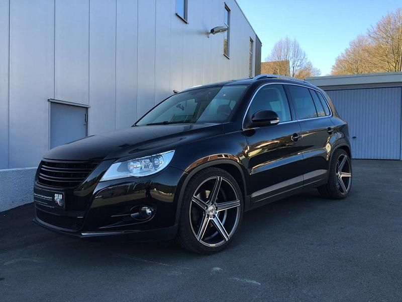 vw tiguan with new alloy wheels and lowering mbdesign. Black Bedroom Furniture Sets. Home Design Ideas