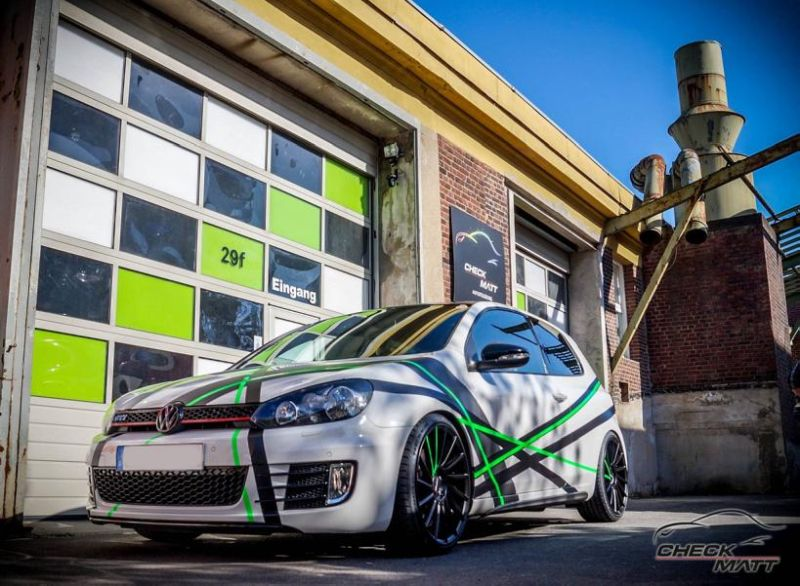 Stripes Folierung VW Golf MK6 GTi Check Matt Dortmund Tuning 2 Stripes Folierung am VW Golf 6 by Check Matt Dortmund