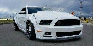 Trufiber Widebody Ford Mustang Tuning 2 1 e1459491884648 310x153 Mega breit   Trufiber Widebody Ford Mustang in Weiß