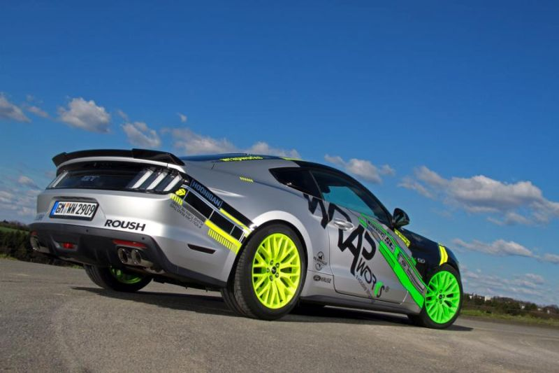 WRAPworks Folierung Ford Mustang GT Fastback Tuning Roush Performance 4