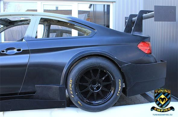 BMW M4 F82 Coupe Carbon DTM Racing Bodykit tuning Empire 2 Fotostory: BMW M4 F82 Coupe mit Carbon DTM Racing Bodykit