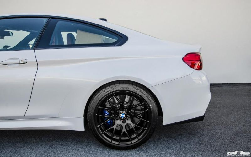 BMW M4 F82 Coupe EAS Akrapovic Vorsteiner Tuning 3