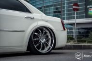 Chrysler 300C 24 Zoll Monarch Wheels Airride Wollsorf tuning 19 190x127 Edles Flaggschiff   Chrysler 300C auf 24 Zoll Monarch Wheels