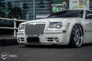Chrysler 300C 24 Zoll Monarch Wheels Airride Wollsorf tuning 2 190x126 Edles Flaggschiff   Chrysler 300C auf 24 Zoll Monarch Wheels