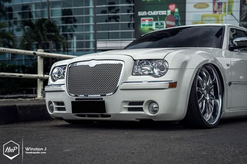 Chrysler 300C 24 Zoll Monarch Wheels Airride Wollsorf tuning 2 Edles Flaggschiff   Chrysler 300C auf 24 Zoll Monarch Wheels