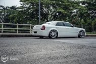 Chrysler 300C 24 Zoll Monarch Wheels Airride Wollsorf tuning 3 190x126 Edles Flaggschiff   Chrysler 300C auf 24 Zoll Monarch Wheels