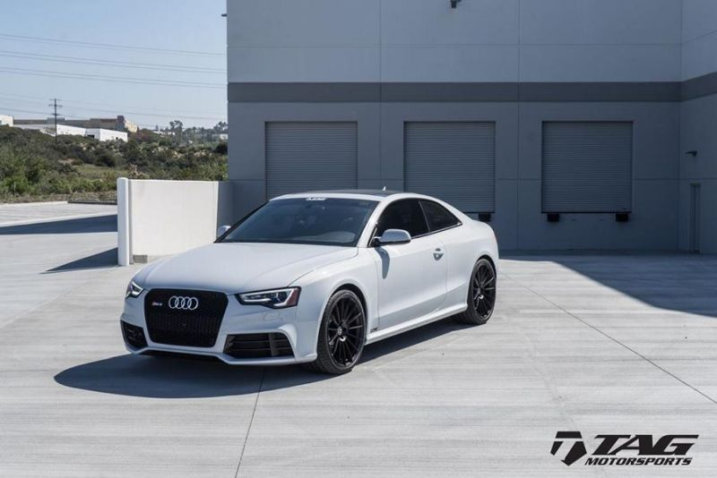 HRE FF15 Alufelgen wei%C3%9F Audi RS5 Coupe Tuning TAG Motorsports 4 HRE FF15 Alufelgen in Schwarz am weißen Audi RS5 Coupe