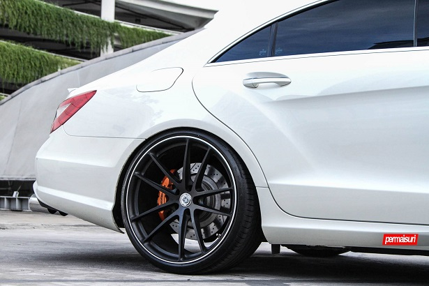 Mercedes Benz CLS63 AMG ‎HRE‬ ‪‎P104 Tuning Permaisuri 3 Mercedes Benz CLS63 AMG mit ‎HRE‬ ‪‎P104 Alufelgen
