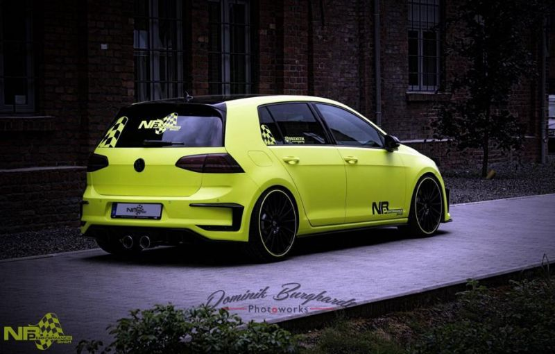 nb performance golf vii gti mit neon optik 20 z llern magazin. Black Bedroom Furniture Sets. Home Design Ideas