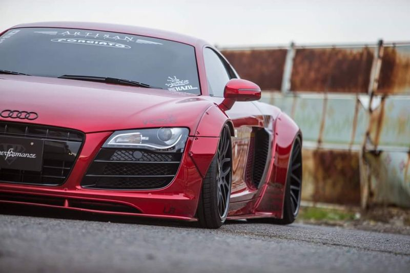 Slammed Liberty Walk Audi R8 Widebody Rot tuningblog.eu  Liberty Walk Audi R8 Widebody in Pink by tuningblog.eu 1