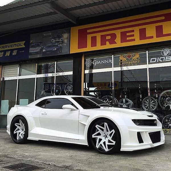Stormtrooper Chevrolet Camaro ZL1 Widebody Forgiato ECL Tuning 6