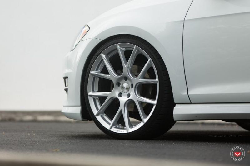 Vossen Wheels VFS 6 Alu's VW Golf MK7 Variant Tuning 6 Vossen Wheels VFS 6 Alu's am VW Golf MK7 Variant in Weiß