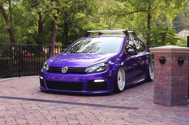 slammed VW Golf 7 MK7 R Purple Black tuningblog.eu 2 Tiefer VW Golf 7 MK7 R in Lila (Purple) von tuningblog.eu