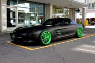 slammed black Mercedes SLS AMG green Chrom Wheels Tuning 1 190x127 Mattschwarz & Chromgreen am Mercedes SLS AMG by tuningblog.eu