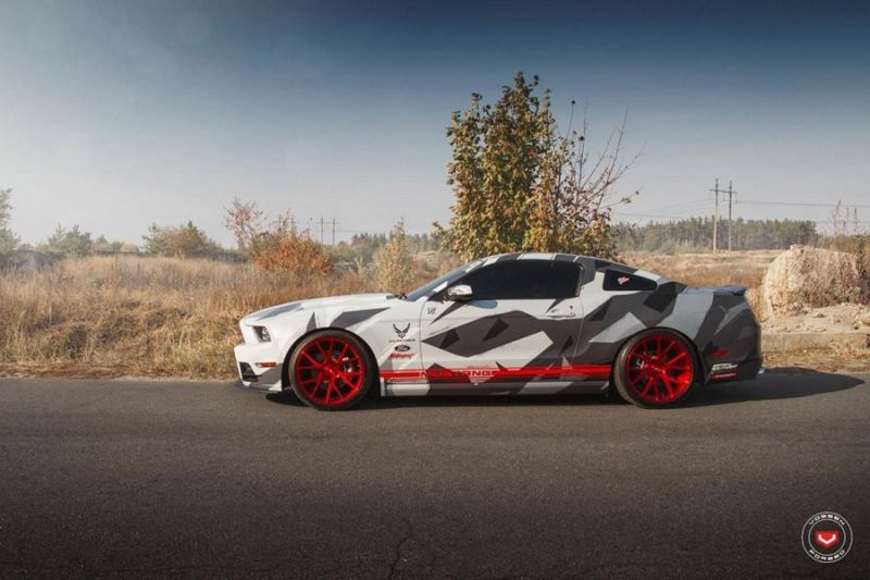 Camouflage Ford Mustang Vossen VPS 306 Alu's Tuning 2 Hat was   Camouflage Ford Mustang auf Vossen VPS 306 Alu's