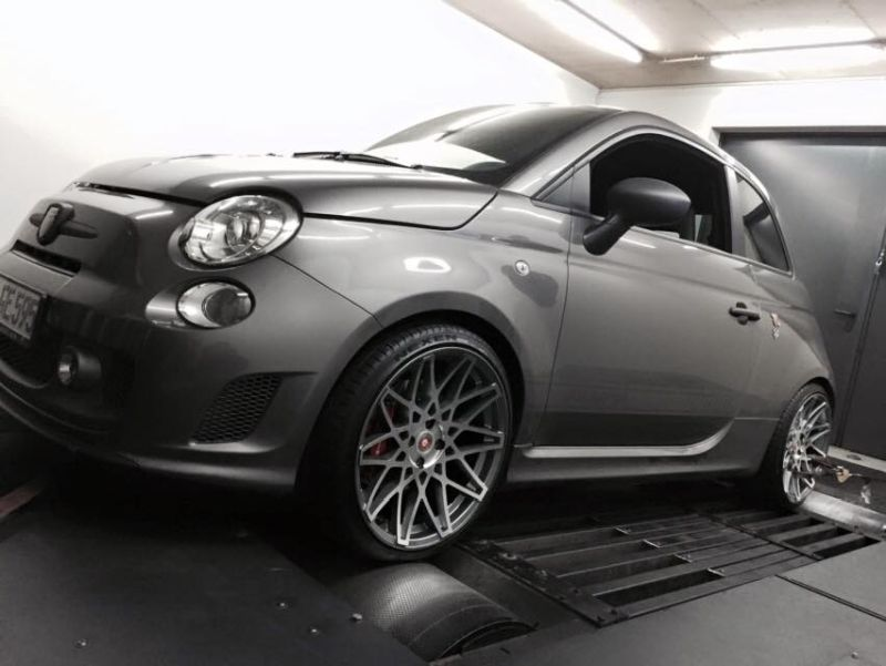 abarth 595 competizione mit 202ps von pogea racing gmbh. Black Bedroom Furniture Sets. Home Design Ideas