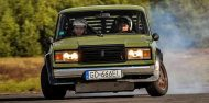 Lada 2107 mit BMW E32 V8 Motor Widebody Tuning 3 190x94 Video: Lada 2107 mit BMW E32 V8 Motor und Widebody
