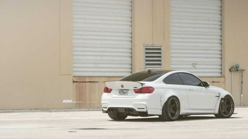 Liberty Walk BMW M4 F82 20 Zoll ADV.1 ADV05 Tuning 2