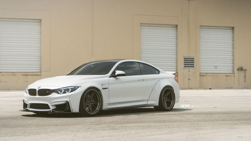 Liberty Walk BMW M4 F82 20 Zoll ADV.1 ADV05 Tuning 3
