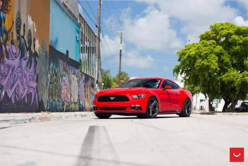 20 Zoll Vossen Wheels VFS5 Tuning Ford Mustang S550 Rot (7)