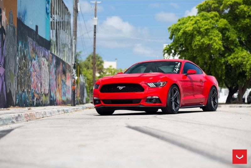 20 Zoll Vossen Wheels VFS5 Tuning Ford Mustang S550 Rot (8)