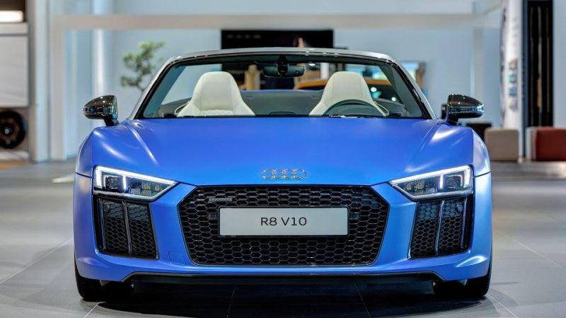 2017 audi r8 spyder in arablau matt shows 2016 Tuning Audi R8 in Arablau matt & schwarzen Scheinwerfern by tuningblog.eu