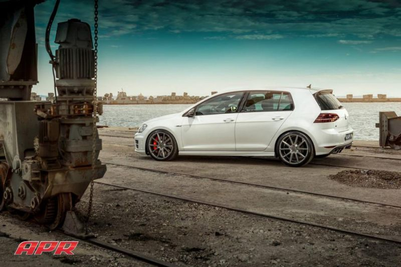 APR LLC APR Performance VW Golf R MK7 Tuning Vossen Alu's 2 APR LLC (APR Performance) VW Golf R MK7 auf Vossen Alu's