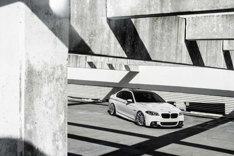 Bagged BMW F10 550i Airride 20 Zoll Ferrada FR4 Wheels Tuning White (3)