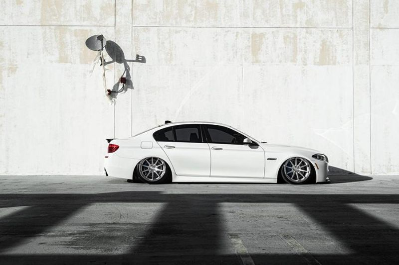 Bagged BMW F10 550i Airride 20 Zoll Ferrada FR4 Wheels Tuning White (9)