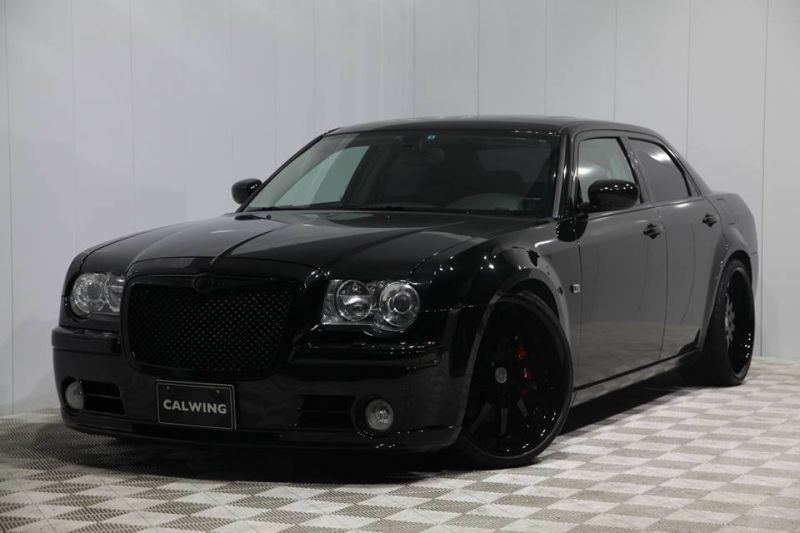 photo story black as night chrysler 300c srt8 by calwing magazine. Black Bedroom Furniture Sets. Home Design Ideas
