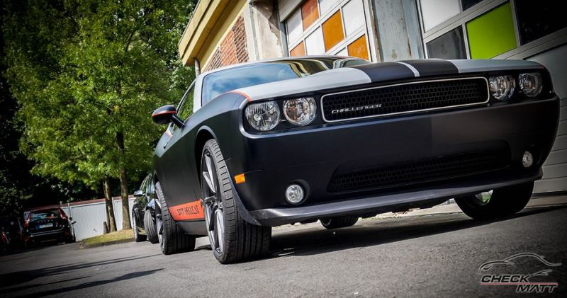 dodge challenger hellcat design folierung wrap tuning. Black Bedroom Furniture Sets. Home Design Ideas