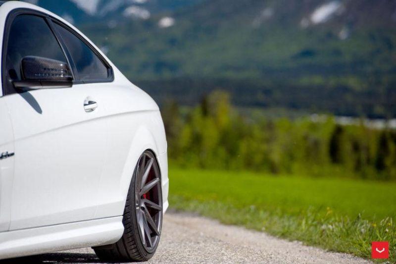 Mercedes-Benz-C63-CVT-Gloss-Graphite-Tuning-W204-C204-Vossen-Wheels-2016 (10)