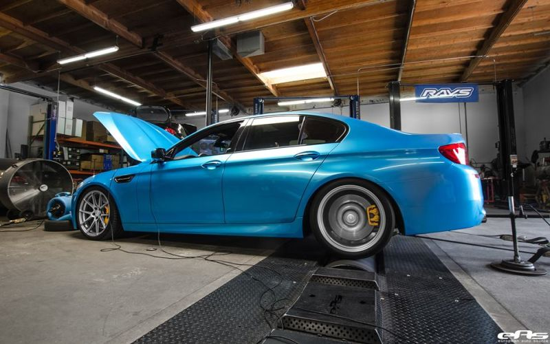 Pearlescent Bahama Blue BMW M5 F10 Tuning 2016 EAS (2)