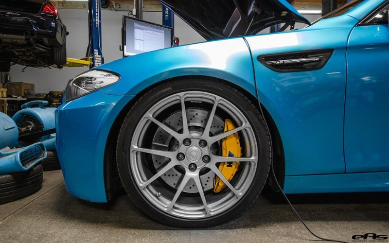 Pearlescent Bahama Blue BMW M5 F10 Tuning 2016 EAS (3)