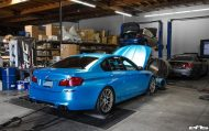 Pearlescent Bahama Blue BMW M5 F10 Tuning 2016 EAS 4 190x119 Fotostory: Pearlescent Bahama Blue am BMW M5 F10 von EAS