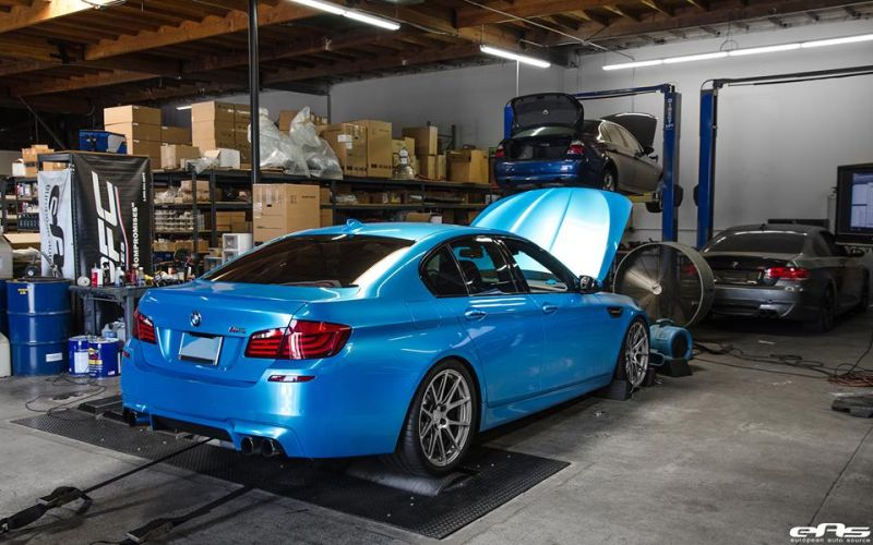 Pearlescent Bahama Blue BMW M5 F10 Tuning 2016 EAS (4)
