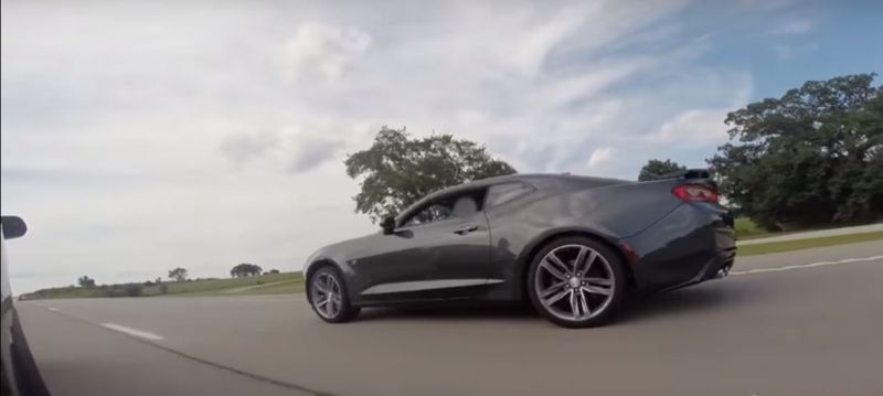 Streetrace 2016 Ford Mustang Shelby GT350 2016 Chevrolet Camaro SS Tuning (1)
