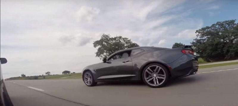 Streetrace 2016 Ford Mustang Shelby GT350 2016 Chevrolet Camaro SS Tuning (2)
