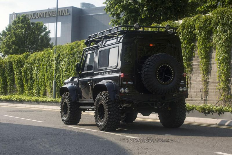 Tweaked Automotive LandRover Defender Spectre Tuning 15 Fotostory: Tweaked Automotive LandRover Defender Spectre