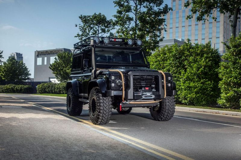 Tweaked Automotive LandRover Defender Spectre Tuning 7 Fotostory: Tweaked Automotive LandRover Defender Spectre