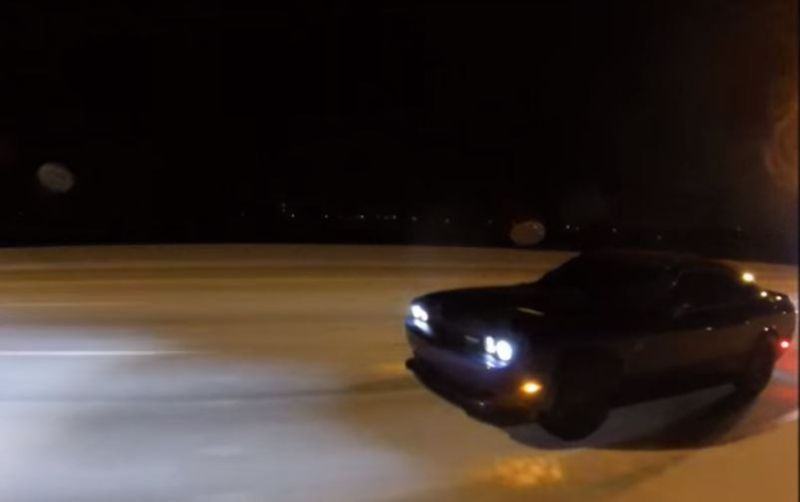 dragrace-bi-turbo-chrysler-300-dodge-challenger-hellcat-2