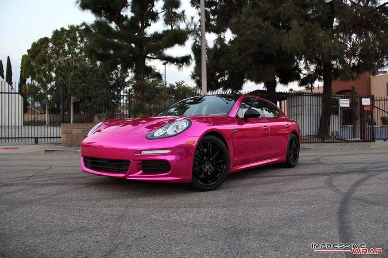 Porsche Panamera Pink Chrom Folierung 2 Mädels aufgepasst   Porsche Panamera mit Pink Chrom Folierung