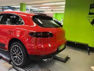 Print Tech Porsche Macan Vollfolierung Racing Red Uni Tuning 2 190x143 Print Tech Porsche Macan mit Vollfolierung in Racing Red Uni