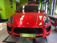 Print Tech Porsche Macan Vollfolierung Racing Red Uni Tuning 8 190x143 Print Tech Porsche Macan mit Vollfolierung in Racing Red Uni