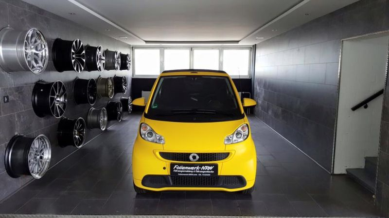 Smart Cabrio Matte Bright Yellow Folienwerk NRW 1 Fotostory: Smart Cabrio in Matte Bright Yellow by Folienwerk NRW