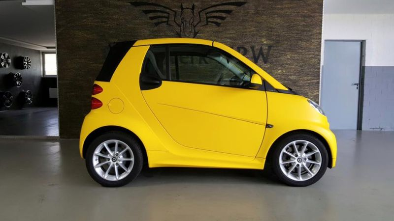 Smart Cabrio Matte Bright Yellow Folienwerk NRW 2 Fotostory: Smart Cabrio in Matte Bright Yellow by Folienwerk NRW
