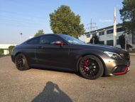 Tuning Mercedes AMG C63 S Coupé Satin Pearl Nero 4 190x143 Dezentes Kleid   Mercedes AMG C63 S Coupé in Satin Pearl Nero