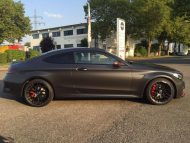 Tuning Mercedes AMG C63 S Coupé Satin Pearl Nero 5 190x143 Dezentes Kleid   Mercedes AMG C63 S Coupé in Satin Pearl Nero