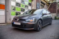 VW Golf MK7 Variant Satin Pearl Nero Tuning 1 190x127 Trendsetter   VW Golf MK7 Variant in Satin Pearl Nero by CMD